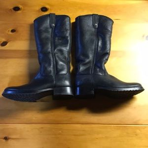 Fur lined Frye boots, never worn!  Size 7